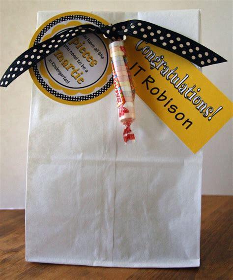 Traveler Bag Chooci 0701 graduation gift bag idea for graduates kindergarten preschool graduation