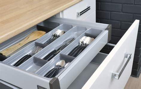 tiroir interieur cuisine tout savoir sur le rangement dans la cuisine leroy merlin