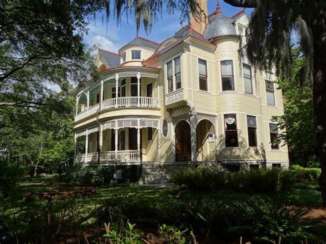 40 plantation home designs historical contemporary