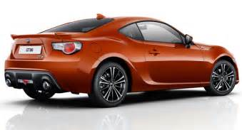 new toyota sports car 2015 toyota improves 2015 gt86 s dynamics adds shark fin