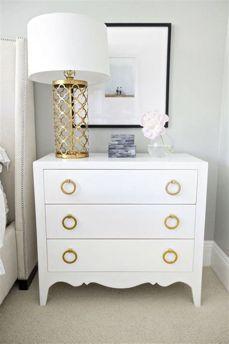 summer color inspiration white and gold setting