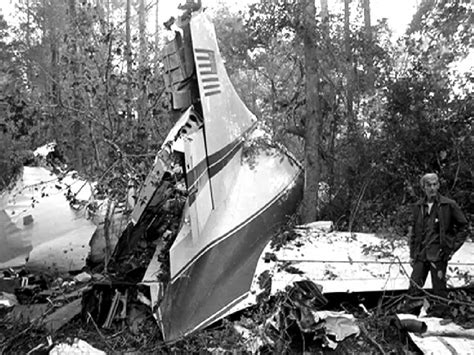 lynyrd skynyrd plane crash radio report 3 youtube