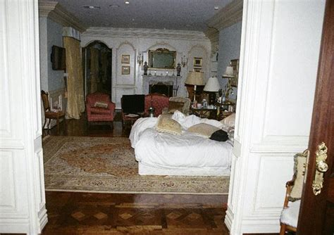 michael jackson themed bedroom inside michael jackson s bedroom the king of pop was
