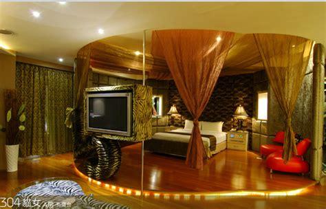 theme hotel in taipei super cool batman themed hotel rooms in taiwan