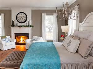 fixer upper hosts chip and joanna gaines holiday house black and white holiday decor interior design styles and