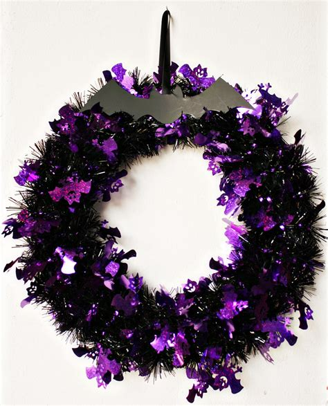 scrapping and traveling halloween garland wreath