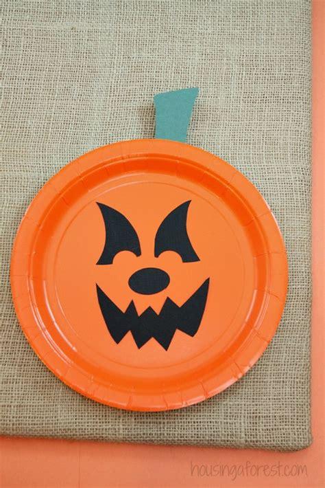 Paper Plate Pumpkin Craft - paper plate pumpkins housing a forest