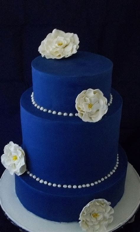 picture  stunning blue wedding cakes   inspired