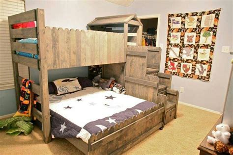 Repurposing Fences For A Fort Bunk Beds Diy Project Bunk Bed With Fort