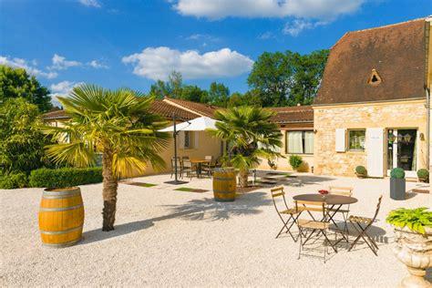 x price la terrasse maison d h 244 tes avec jardin piscine coins d 233 tente barbecue