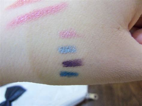 Funky Eyelights Pencil Silkygirl 1 review silkygirl funky eyelights pencil chica