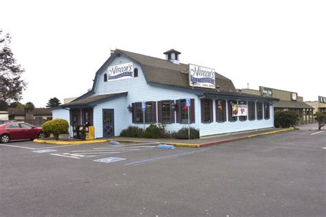 round table pizza mckinleyville 10 mejores restaurantes cerca de mckinleyville totem pole