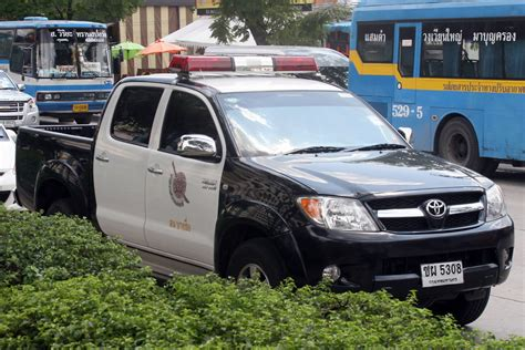 toyota thailand english royal thai police toyota hilux vigo truck the royal thai
