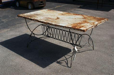 mesh outdoor dining