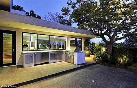Pictured jennifer aniston and justin theroux s 21m bel air love nest