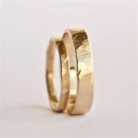 Eheringe 18 Karat Gold by Ehering Set Zwei Geh 228 Mmerte Goldene Ringe Rustikal