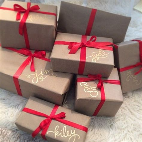 best way to wrap a gift best 25 christmas wrapping ideas on pinterest wrapping