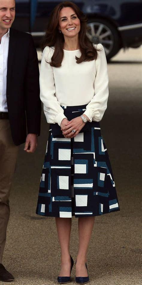 Style Kates Blouse kate middleton wears a blouse and banana republic