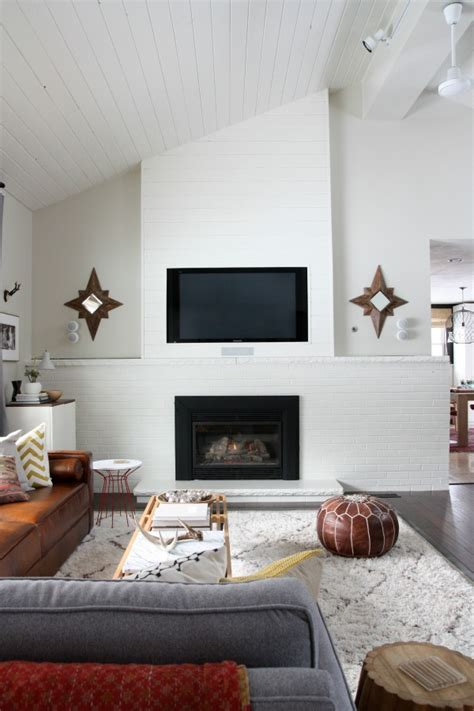 Tv On Wall Fireplace by House Tweaking