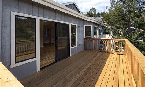 terrassendielen unterkonstruktion balkon balkon mit holz auslegen unterkonstruktion bvrao
