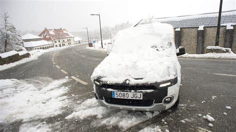 uso cadenas coche la nieve hace necesario el uso de cadenas en belagua y