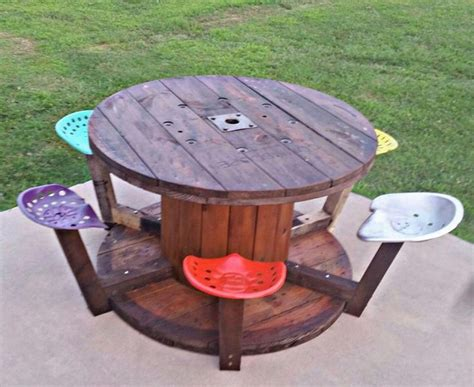 cool painted picnic tables 25 best ideas about picnic table paint on