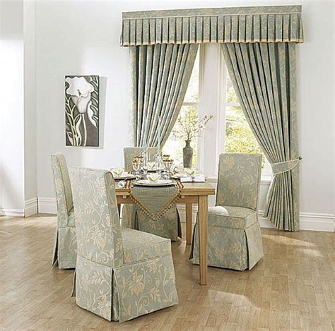 pin von destinee martin auf home decorating ideas dining room chair covers dining room chairs