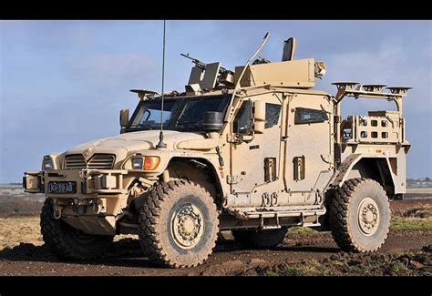 Hummer Husky Army active army vehicles and artillery 2019
