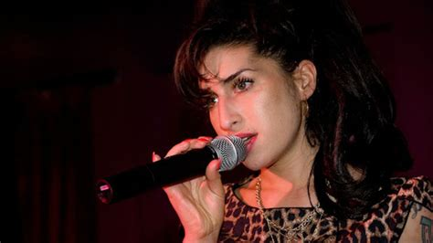 film dokumenter amy winehouse watch haunting first trailer for amy winehouse