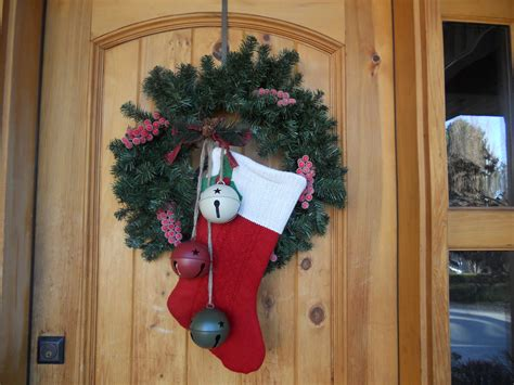 christmas door decorating ideas nimvo interior design how to decorate an apartment door for christmas