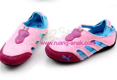 Sepatu Anak Dari Sz21 25 jual sepatu sport anak pink biru uk 25 30 murah meriah