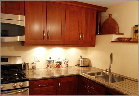 shaker cherry kitchen cabinets cherry shaker kitchen cabinets kitchen design studio inc