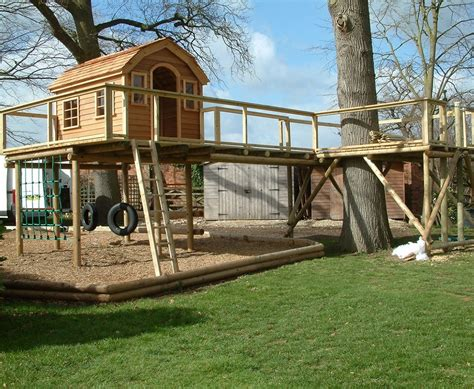 Treehouse For Backyard by Cool Tree Houses Designs Be The Coolest On The