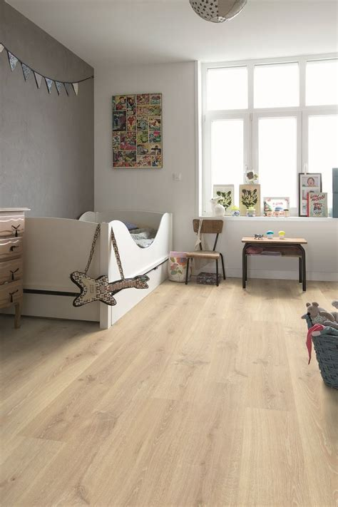 laminate flooring in bedrooms step creo quot tennessee oak light wood quot cr3179