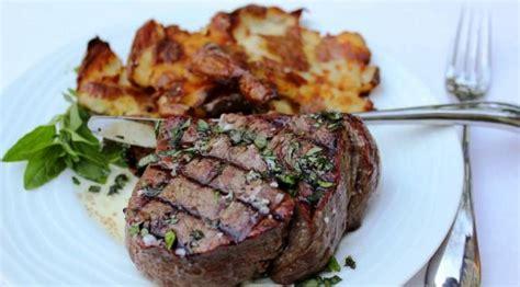 Daging Babi Bagian Has Dalam Tenderloin mana yang lebih enak sirloin atau tenderloin steak
