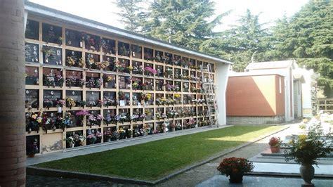 lade a led costi lade votive per cimitero furti sacrileghi cimitero quot