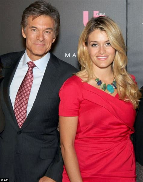 new hairstyle daphne oz newhairstylesformen2014 com daphne oz debuts platinum blonde hairstyle daily mail online