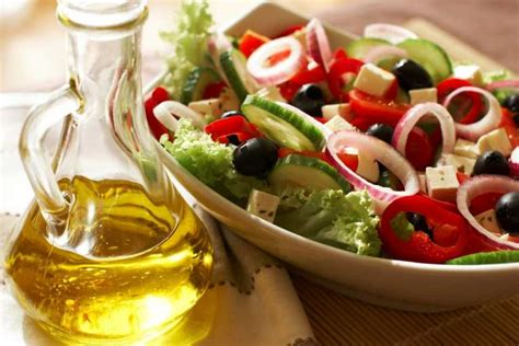 mediterranean diet cuts strokes and attacks in at risk groups