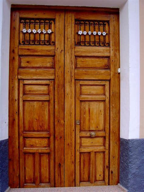 Big Door by Big Door Big Arch Rustic Door 225x337 Malissa