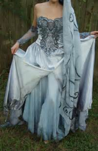 She also have several versions of bridal gowns inspired in the corpse