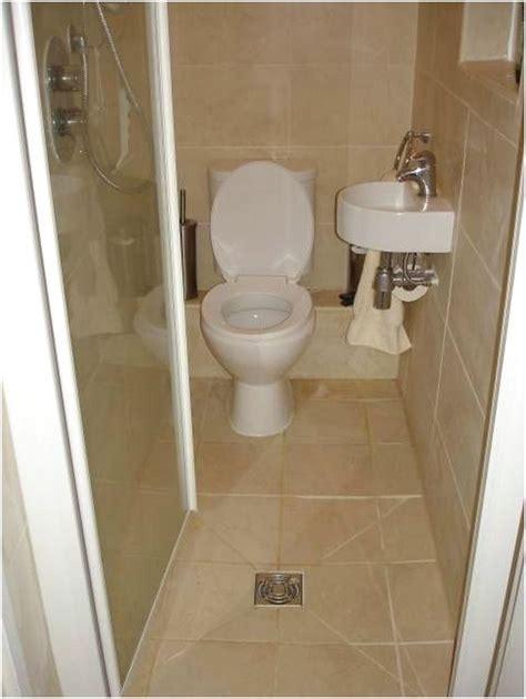 desain kamar mandi kecil memanjang 43 desain kamar mandi minimalis kecil elegant terbaru