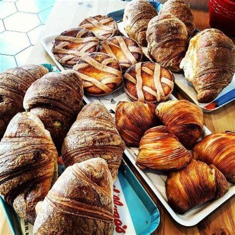 la casa beb napoli colazione deliziosa foto di b b sirena partenope napoli