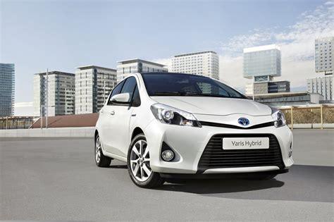 Toyota Yaris Hybrid Battery New Toyota Yaris Hybrid Makes Its Appearance