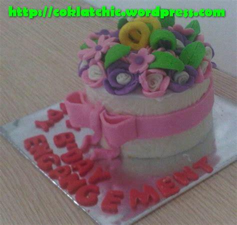 Pariiz Buket Coklat Jargiftvalentineulang Tahun cake buket bunga dan sepasang cincin happy bday dan happy engagement jual kue ulang tahun