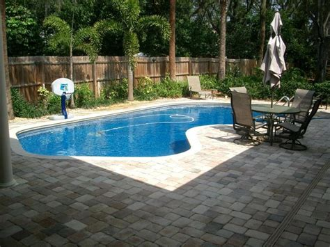 Pin By Shaye Gibson On Things I Want In My House Pinterest Backyard Swimming Pool Landscaping Ideas