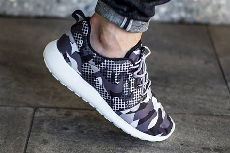 Nike Roshe One Camo Blacksummit White Bnib nike roshe run polka dot camo sneaker bar detroit