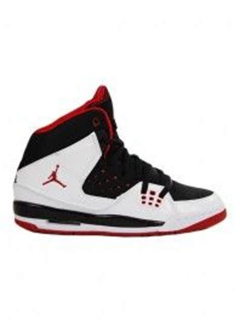 www hibbett sports shoes 1000 images about backtoschool w hibbett footwear on