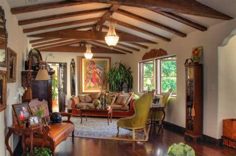 Spanish Home Interiors by Int 233 Rieur Classic Et Tr 232 S Chic 224 L Aide De Meuble Colonial