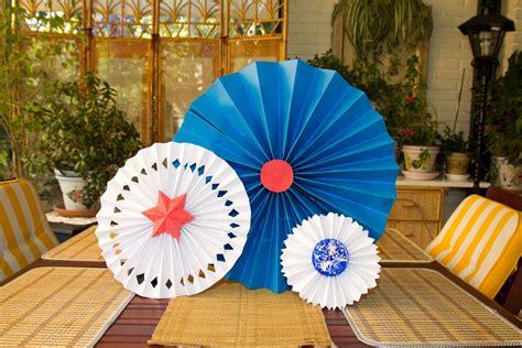 como hacer una guirnalda con circulos de papel moldes y patrones circulos o medallones de papel para fiesta o decoracion