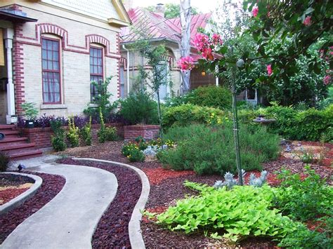 Landscaping Mulch Ideas Mulch Landscaping Ideas Jbeedesigns Outdoor Best Mulch Landscaping Ideas